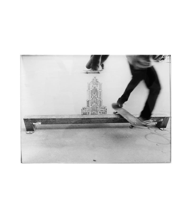Elsa Mazeau, Corrections d'architectures, 2012-2015 Photographies, impressions sur verre, 18 x 24 cm, production dans le cadre d'ateliers  avec la Maison européenne de la photographie et le centre d'art du Parvis