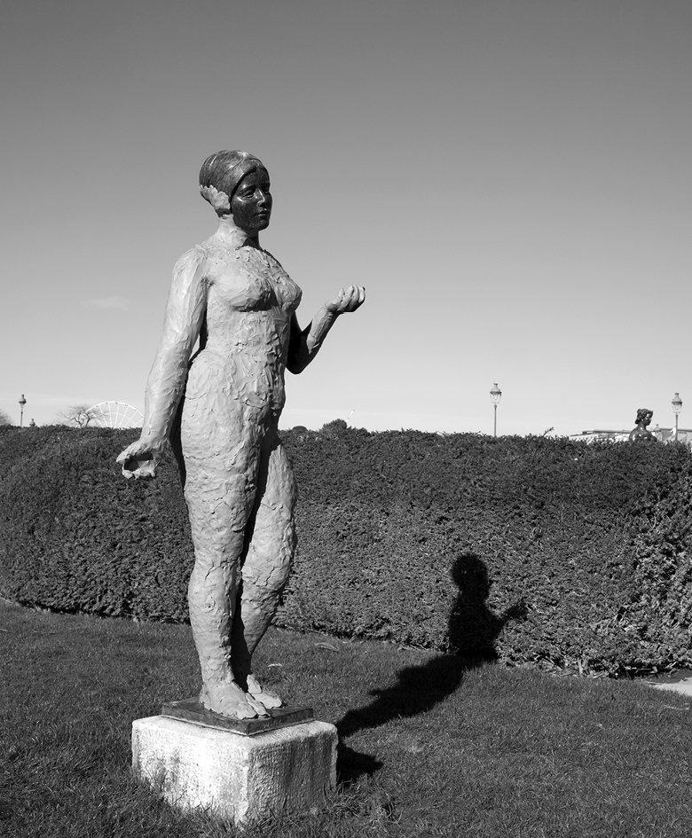 Elsa Mazeau, Statues publiques, 2015 Photographie, poster mural, dimensions variables