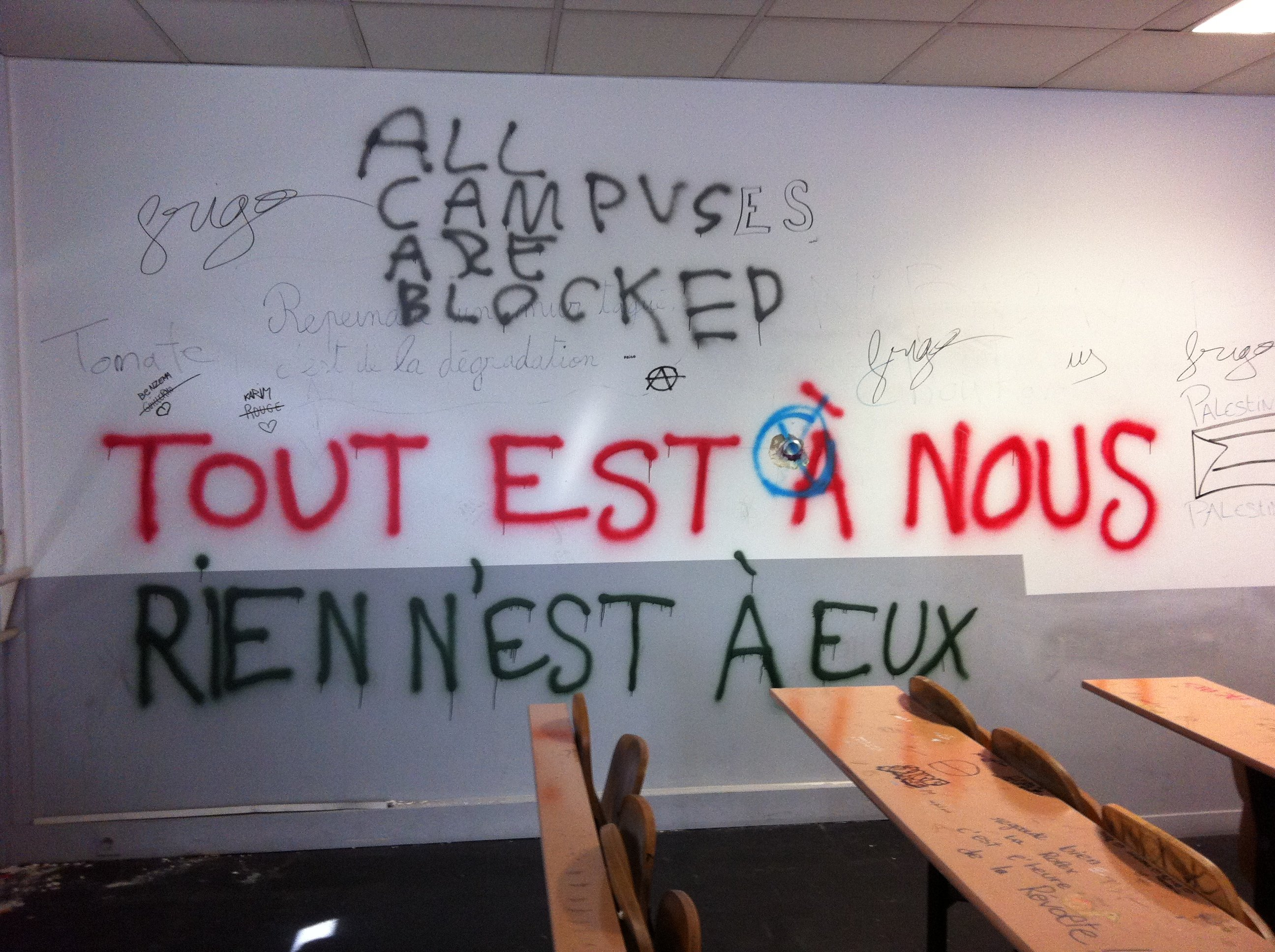 Graff-CampusBLockedToutEstANous