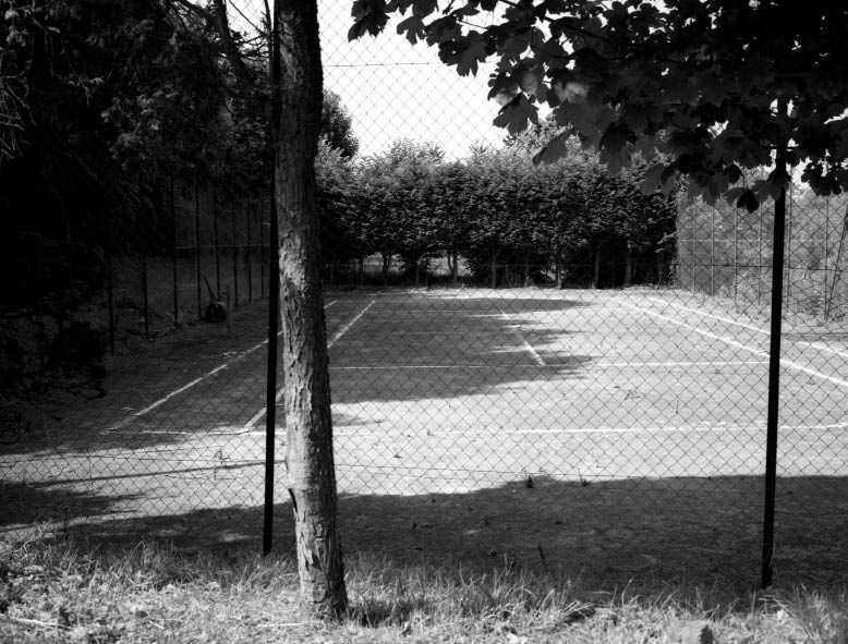 Giasco Bertoli, Tennis Courts