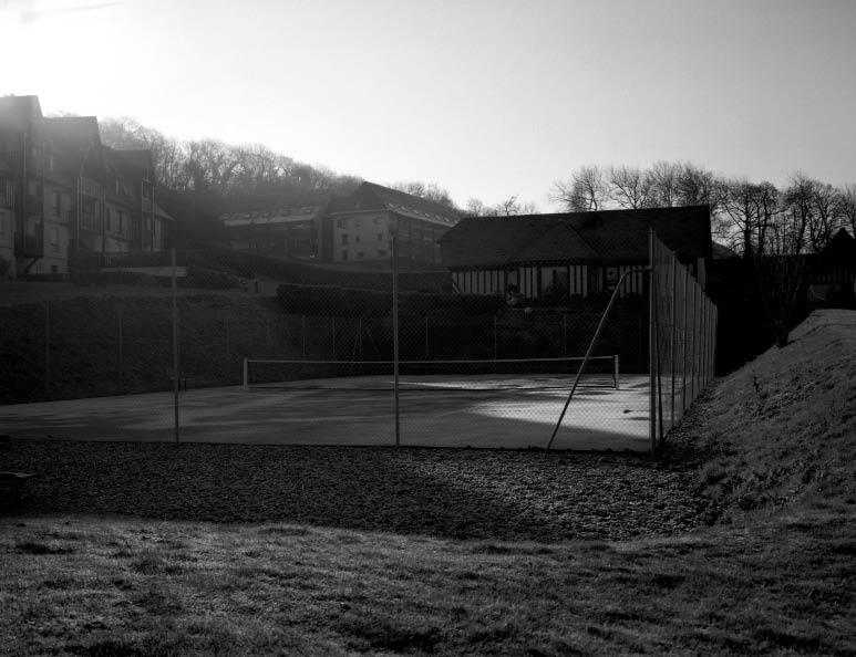 Giasco Bertoli, Tennis Courts